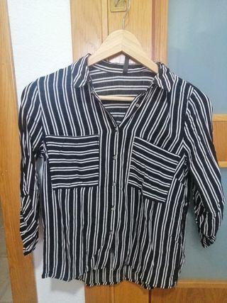 camisa talla S stradivarius
