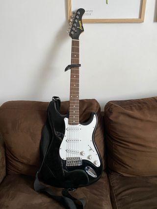 Guitarra eléctrica LA nueva