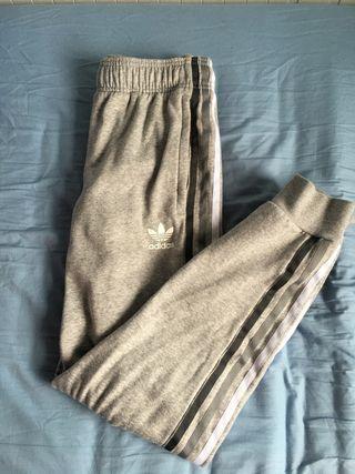Chandal/ pantalon de adidas gris