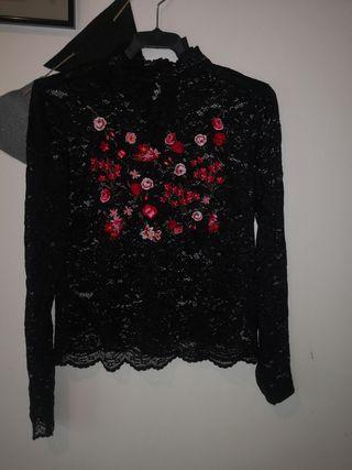 camisa de encaje negro