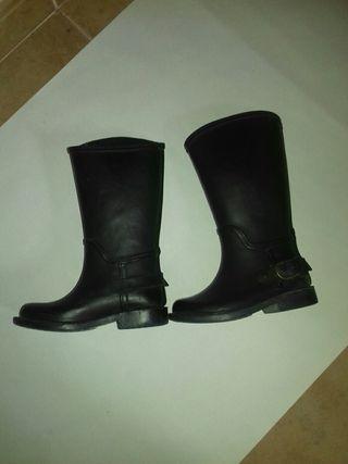 botas de agua (Zara)