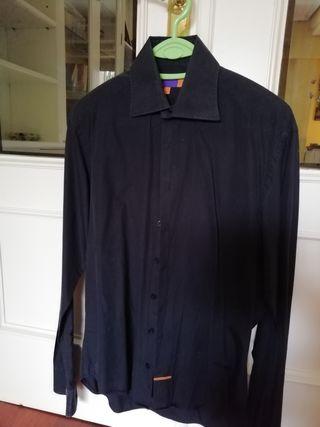 Camisa negra Nodus