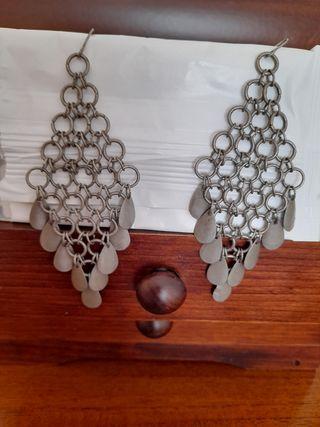 Pendientes color plata antigua