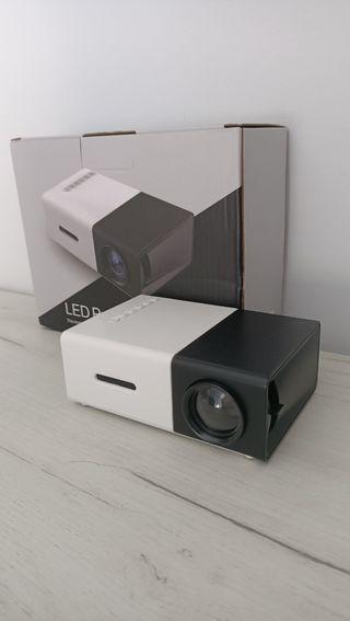 proyector nuevo a estrenar hasta 130 pulgadas HDMI