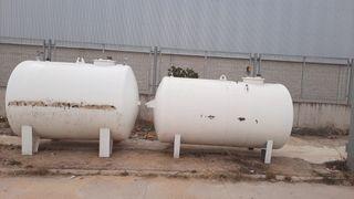 Depósitos de gasoil con surtidor