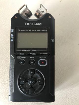 Grabadora digital de mano TASCAM DR 40