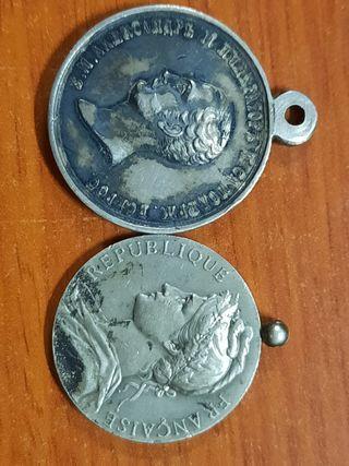 2 medallas antiguas de plata una francesa