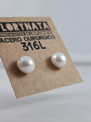 Pendiente de perla mediano