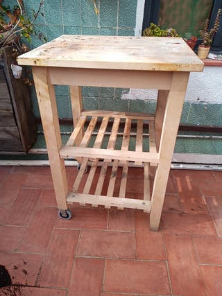 mesa barbacoa madera con ruedas