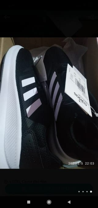 Adidas/botines/zapatillas/deporte/