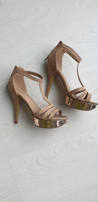 Zapatos Nude 40 / 41 NEGOCIABLE