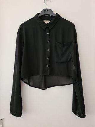 Camisa negra de Bershka