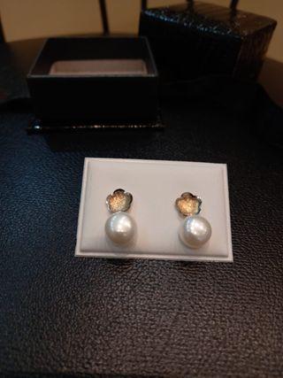 Pendientes en oro de ley 18K con perlas cutivadas