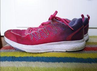 Preciosas zapatillas rosas y moradas