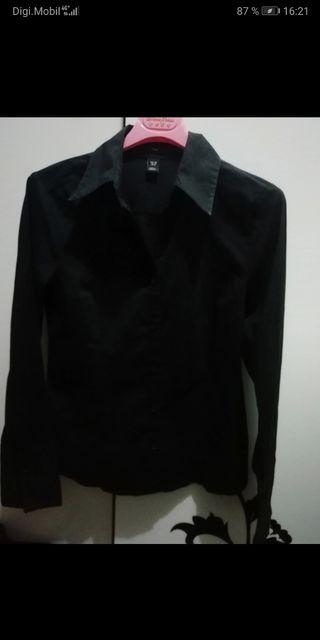 camisa negra HM