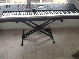 Sintetizador Workstation Yamaha MOX8