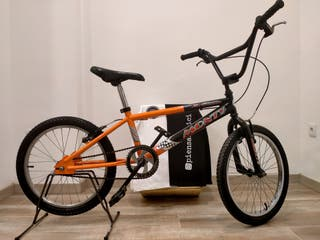 Bicicleta BMX Monty x-series.