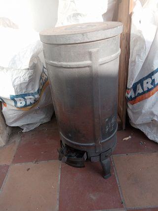 estufa de leña y carbón de hierro fundido