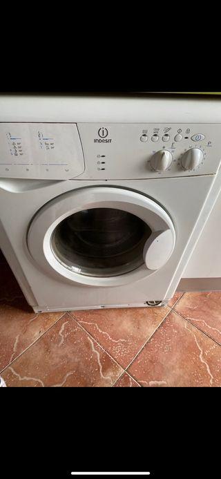 Vendo lavadora indesit 6k. Y regalo micro