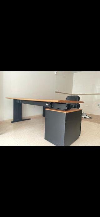escritorio esquinero de oficina