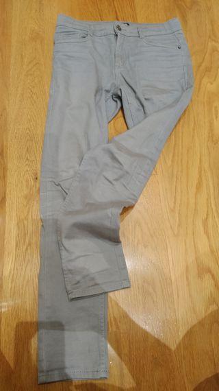 pantalón gris piedra