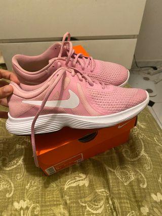 Zapatillas Nike rosas 37.5