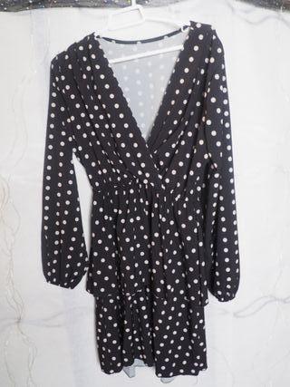 vestido lunares blanco y negro (una sola puesta)