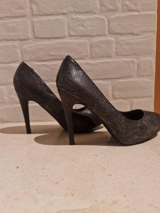 zapato plataforma de serpiente envejecida talla 39
