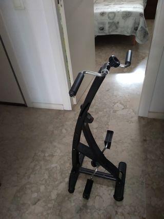 máquina de pedales estático