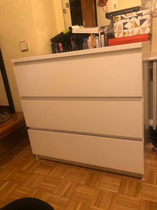 Comoda blanca Ikea