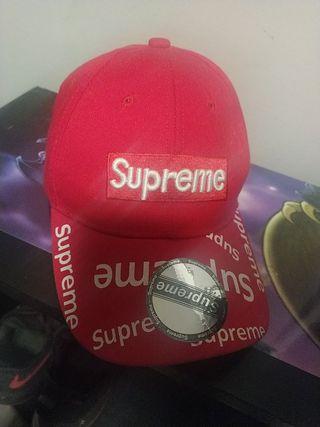 gorra suprême