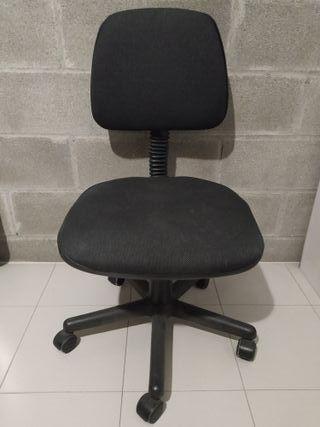 Silla con ruedas para oficina