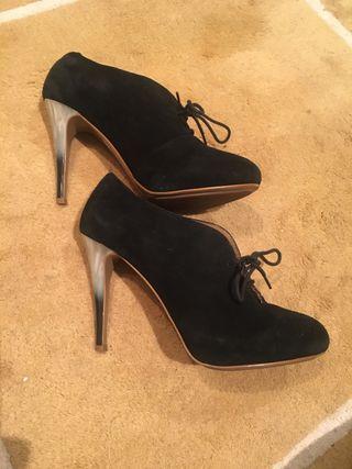Zapatos botín ante negro Mango T.39