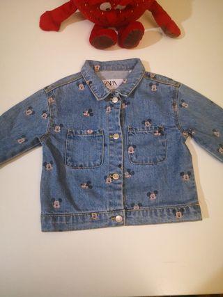 chaqueta vaquera Zara de bebé Mickey mouse