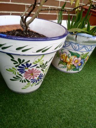 2 Tiestos o macetas grandes de cerámica