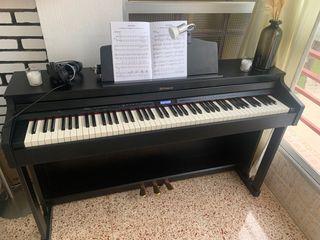 Vendo Piano Roland HP601