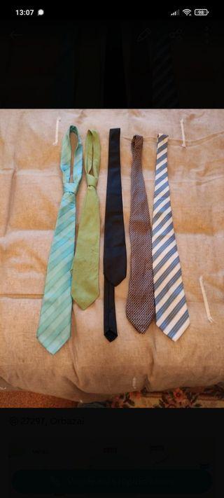 5 corbatas