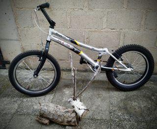bicicleta trialsin Monty