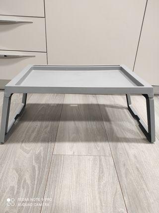 mesa bandeja con patas