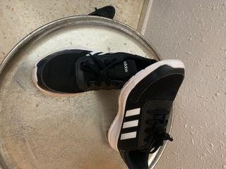 Deportivas Adidas originalEs