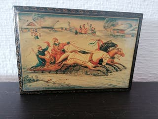 Caja de madera caballos