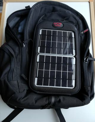 Mochila impermeable con panel solar