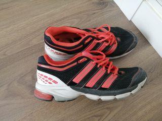 Zapatilla deportiva adidas