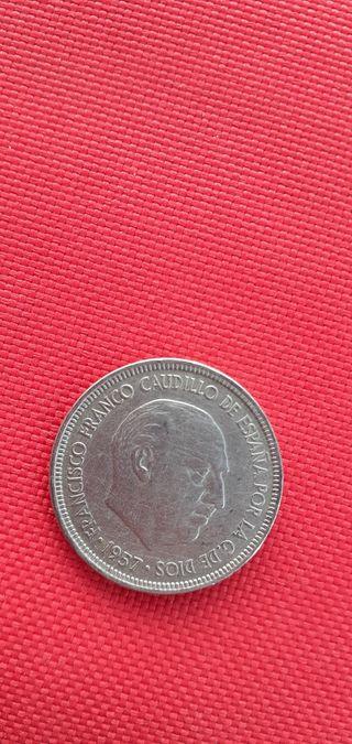 moneda de 5 pesetas en muy buen estado