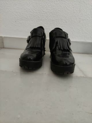 Zapatos con tacón cuadrado