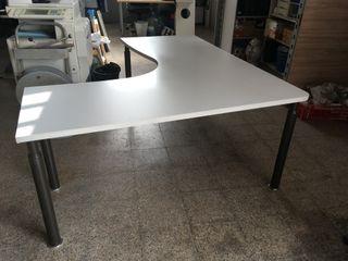 Mesa de oficina en L basica, Ref: 040311