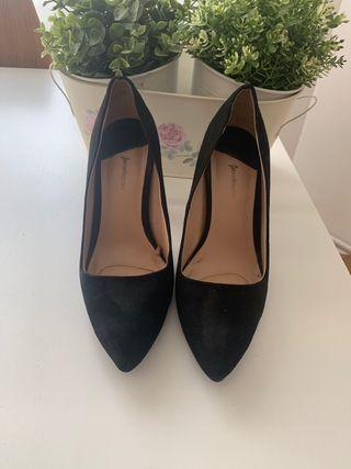 Zapatos salón tacón 39 Stradivarius negros