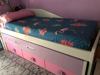 Habitación cama escritorio y estantería