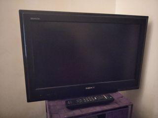 TV Sony con su mando..