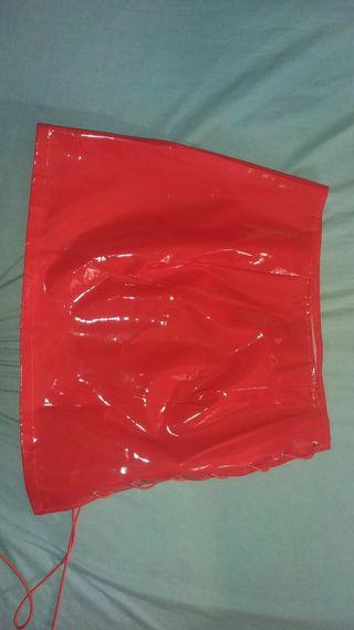 falda roja de fiesta